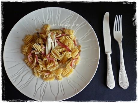 pasta con speck, carciofi e finocchi