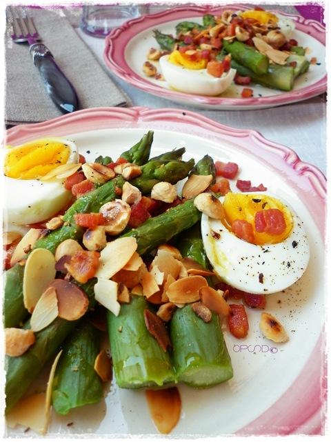 Insalata di asparagi e uova