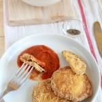 Melanzane fritte con salsa/zuppa di pomodori e finocchi - Fried eggplant with sauce / tomato and fennel soup