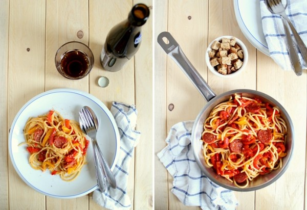 Spaghetti ai peperoni con salame piccante e briciole tostate