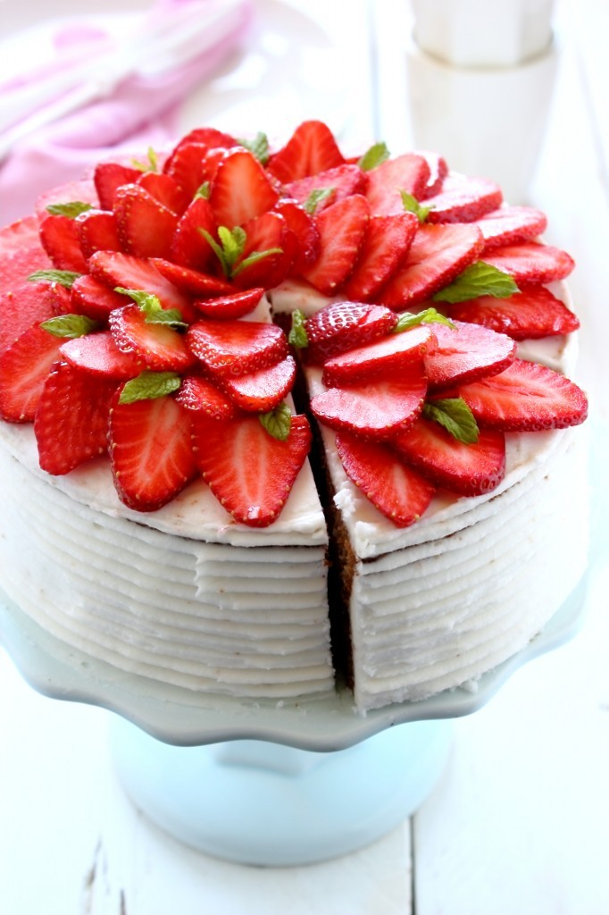 come fare la torta a scacchi - come fare la torta a scacchiera - come fare la checkerboard cake - checkerboard cake - how to make a checkerboard cake - strawberry and chocolate checkerboard cake - food photography - opsd blog - sonia monagheddu