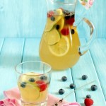 Limonata alla lavanda e frutti di bosco - Lemonade with lavender and berries