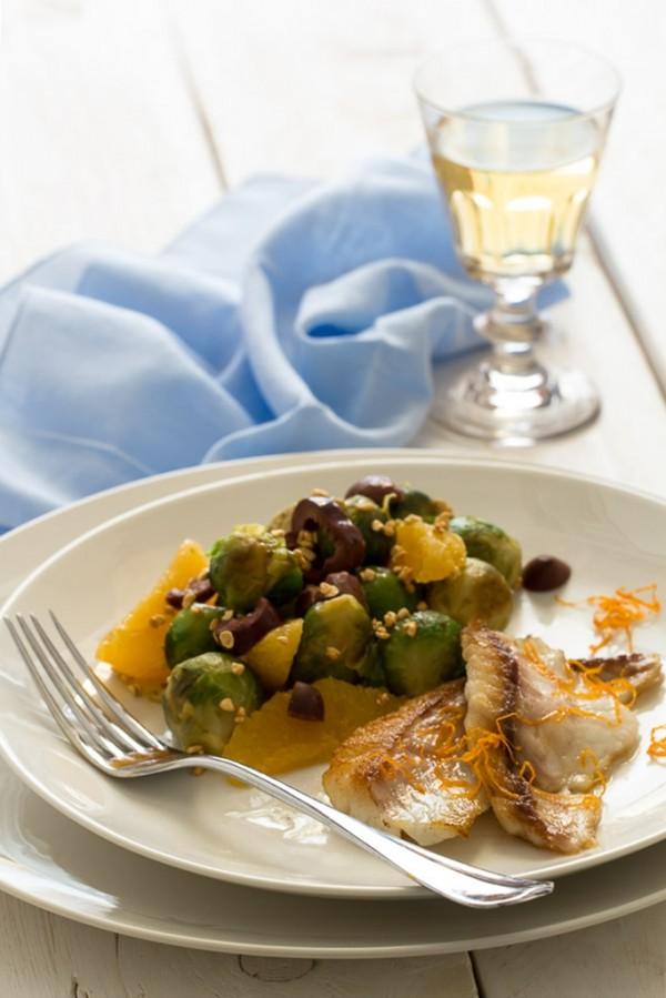 Ricetta filetti orata all'arancia e insalata di cavoletti