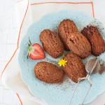 Madeleines al cacao e fragole - guest post - Chocolate Coconut Madeleines with Strawberries