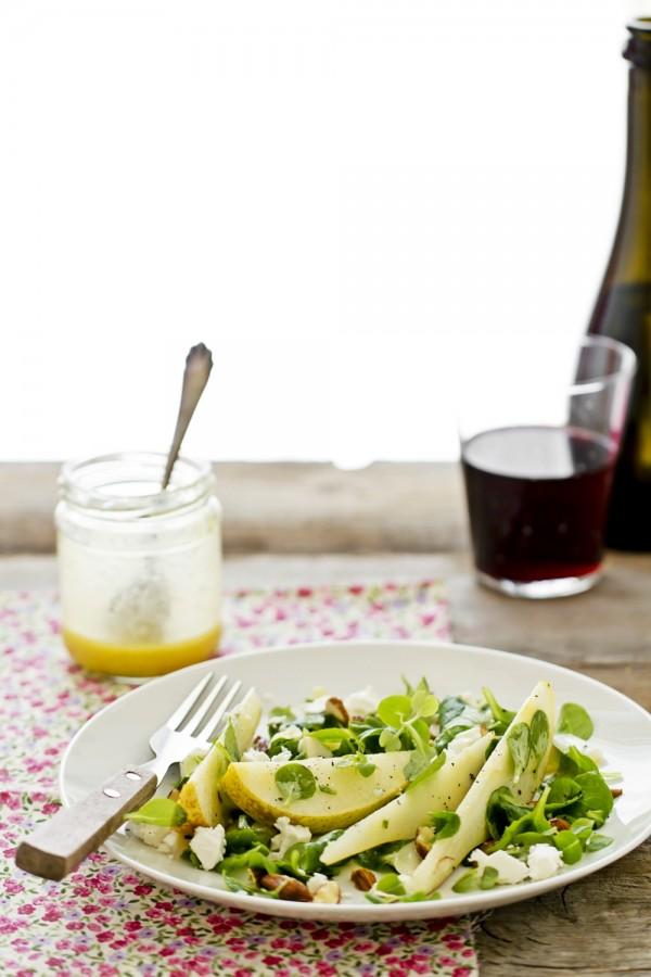 Insalata di pere e feta con dressing al miele, Insalata di pere e feta, Ricetta insalata di pere e feta, Ricetta insalata di pere, Pear and feta cheese salad recipe, Pear salad recipe, How to make pear salad recipe