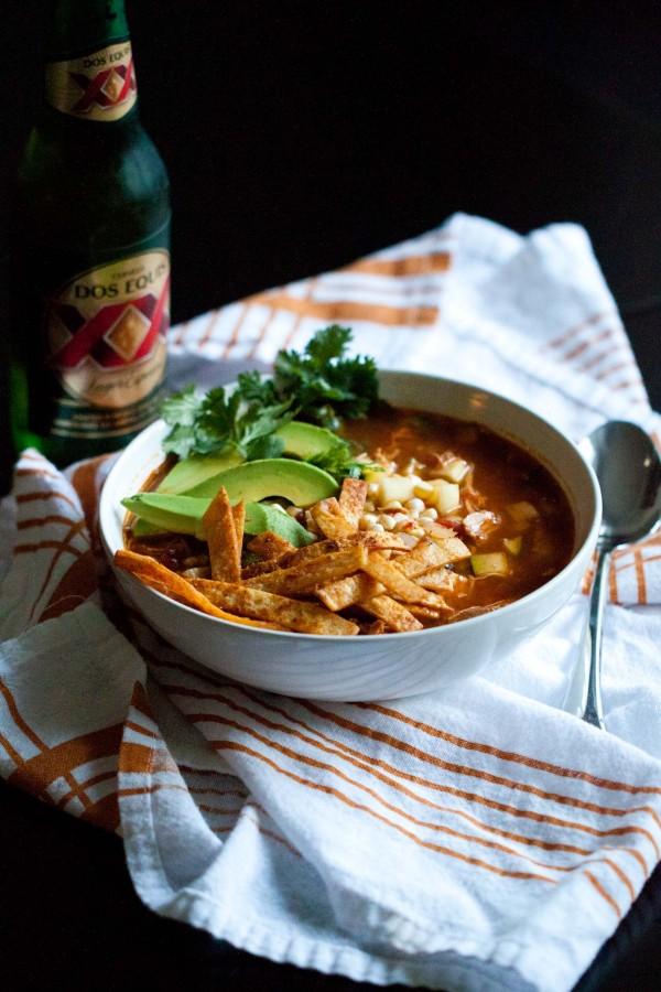Zuppa di pollo con tortilla