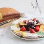 plumcake all'olio di oliva aromatizzato al timo e scorza d'arancia - guest post - Orange and Thyme Scented Olive Oil Pound Cake