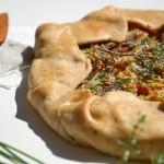 Torta salata con carciofi e pomodori - Guest Post - tomato rustic tart