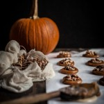 Cioccolatini al caramello salato con noci allo zucchero di canna - GuestPost - delicious salted caramel chocolates with roasted brown sugar