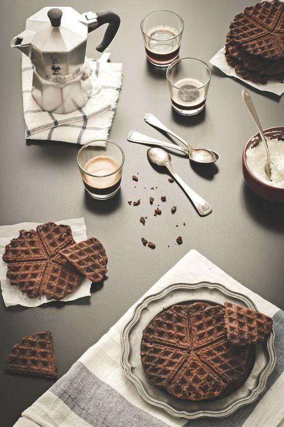chocolate waffle brownies recipe - ricetta waffle brownies al cioccolato - ricetta waffle croccanti al cioccolato - Chocolate Waffle Iron Brownies Recipe