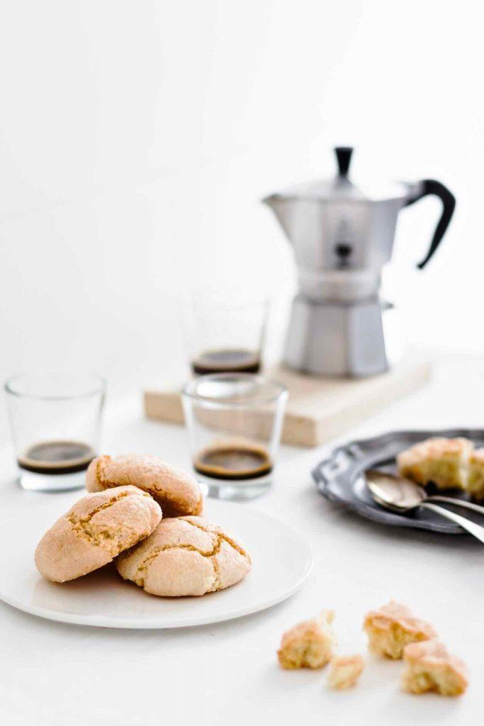 Amaretti Sardi, Amaretti morbidi, come fare gli amaretti sardi, ricetta amaretti, Italian recipe, Sardinian recipe, Soft almond Amaretti cookies, Almond cookies, almond biscuits, gluten free recipe