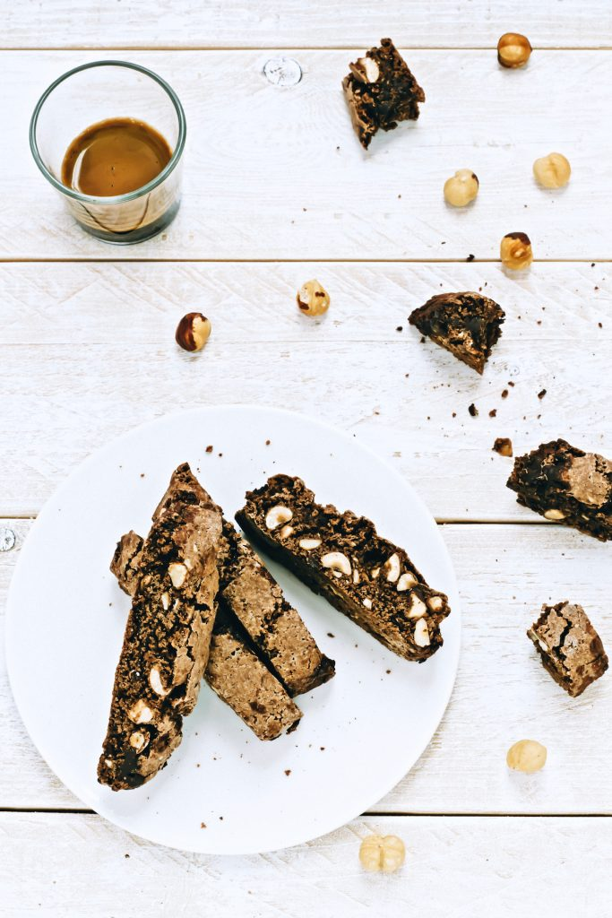 CHOCOLATE AND HAZELNUTS CANTUCCI - cantucci - italian cookies recipe - chocolate cantucci