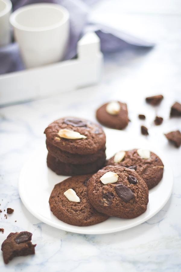 Biscotti morbidi al cioccolato - Biscotti ai due cioccolati - Double chocolate cookies - Double chocolate chips cookies recipe