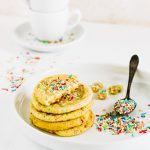 sprinkles cookies - funfetti sugar cookies - carnival cookies - biscotti di Carnevale - biscotti arcobaleno - food photography - food styling - opsd blog