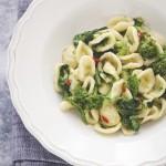 Orecchiette con le cime di rapa - Orecchiette with anchovies and turnip greens