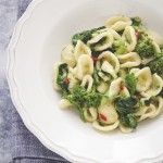 Orecchiette con le cime di rapa - Orecchiette with anchovies and turnip greens