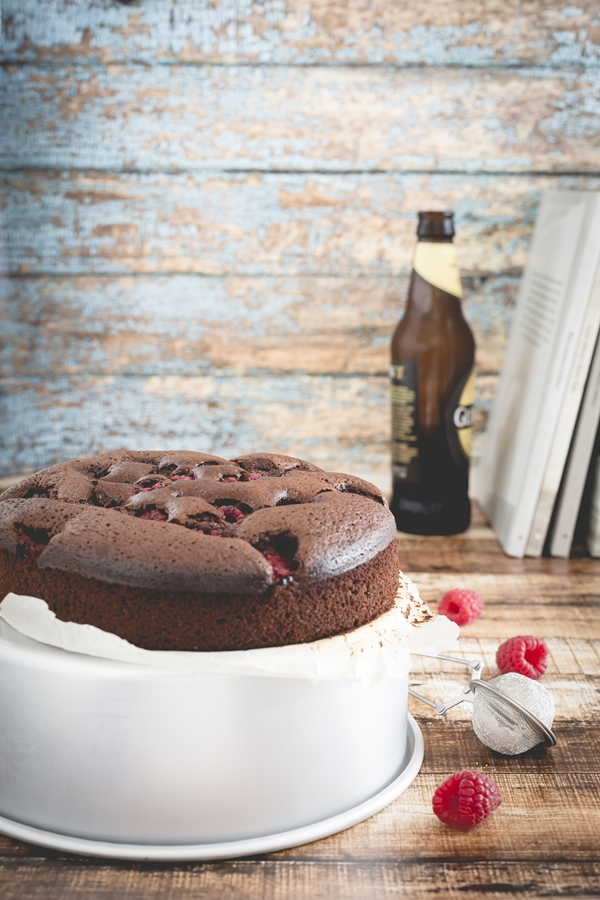 Brownies al cioccolato e birra Guinness con lamponi, Chocolate Guinness brownies recipe with raspberry
