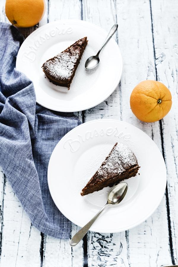 Torta morbida al cioccolato, arancia e nocciole - CHOCOLATE, ORANGE AND HAZELNUT CAKE