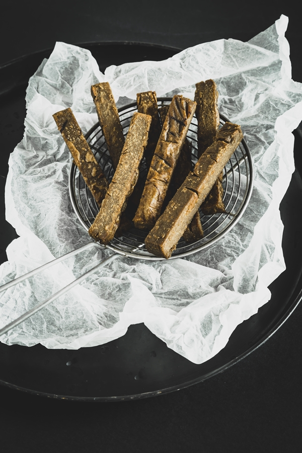 bastoncini di castagne - castagnaccio - chestnut cake