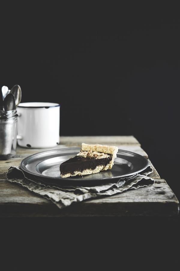 crostata di nocciole e cioccolato - chocolate and hazelnuts tart
