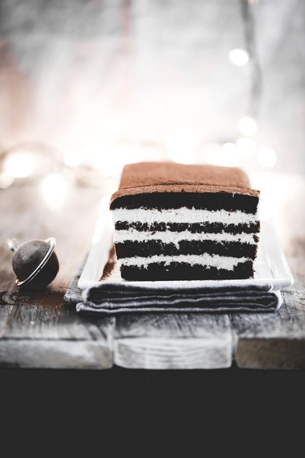 Chocolate rum layer cake - Torta a strati al cacao e rum