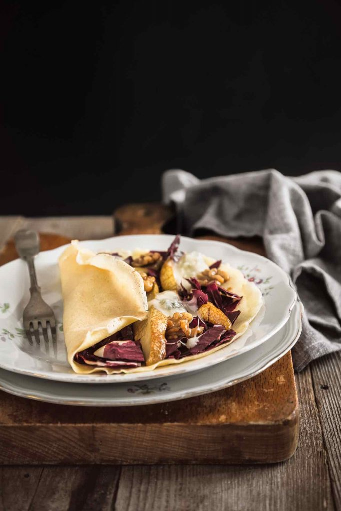 Crepes al radicchio, pere e Gorgonzola, Crespelle al radicchio, pere e Gorgonzola, Come fare le Crepes, Come fare le crespelle, Ricetta Crepes (crespelle) al radicchio, pere e Gorgonzola, Crepes with radicchio, pear and Gorgonzola recipe, How to make Crepes with radicchio, pear and Gorgonzola recipe