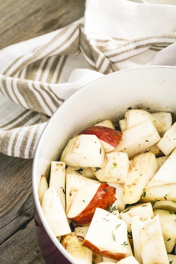 Zuppa di sedano rapa, funghi e mele - Celeriac and apple soup