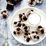 Biscotti morbidi al cioccolato e frutta secca - Chocolate soft cookies with dried fruit