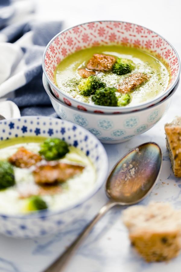 zuppa piselli, broccoli e salmone - peas soup with broccoli and salmon
