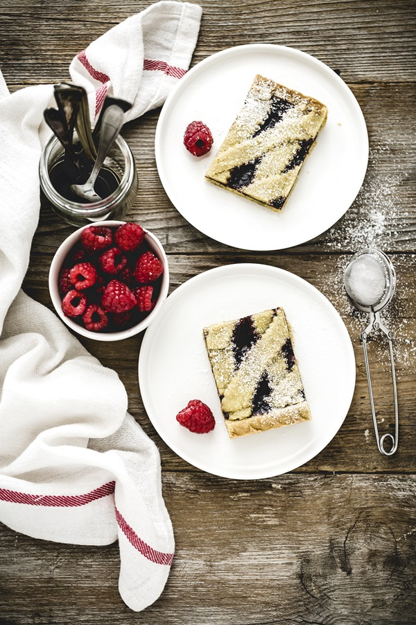 Crostata ai lamponi e pistacchi - Raspberry tart with a pistachio Crust