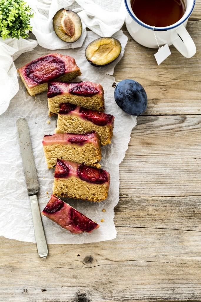 torta capovolta di prugne - plum upside down cake - upside down cake - torta di prugne