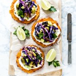 Tacos carote, cavoletti avocado - carrot taco shells with roasted brussels sprouts, avocado and purple cabbage - vegetarian taco recipe