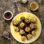 fig pistachio date truffles vegan recipe - tartufi fichi e datteri - tartufi - frutta secca - paleo - vegan - gluten free - energy bites -