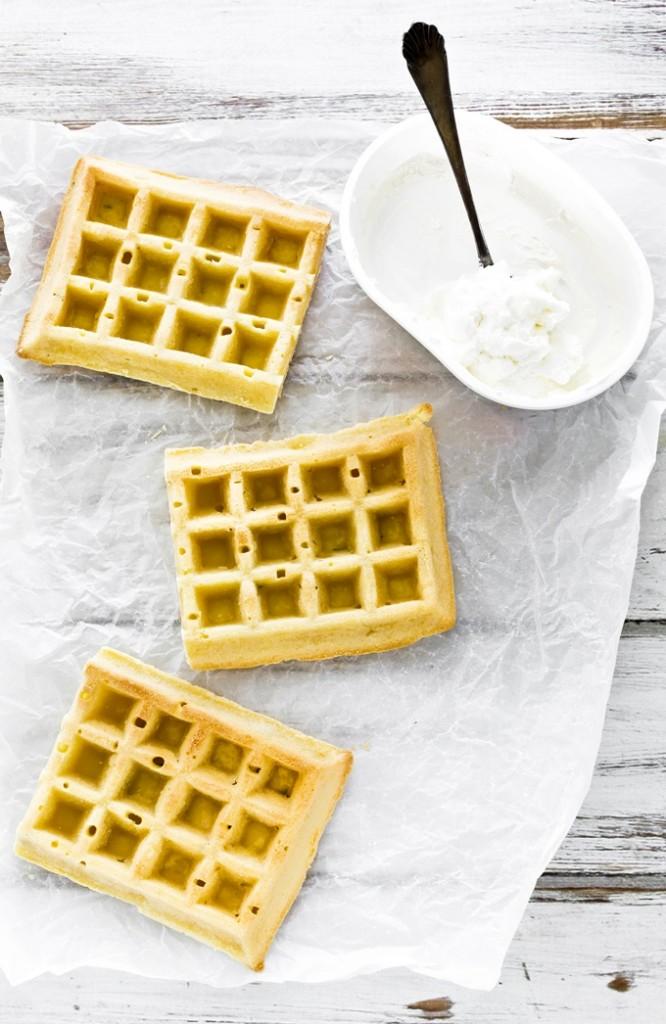 waffles arancia e timo - waffles recipe - salsa al caramello al rum - rum caramel sauce recipe - fresco spalmabile Nonno Nanni