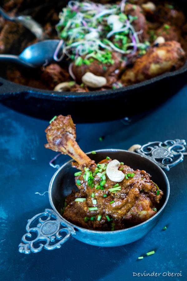 Chicken in cashew-tomato gravy - Pollo in salsa di pomodori e anacardi - GUEST POST - GRUB WITH AN INDIAN ABROAD - OPSD blog