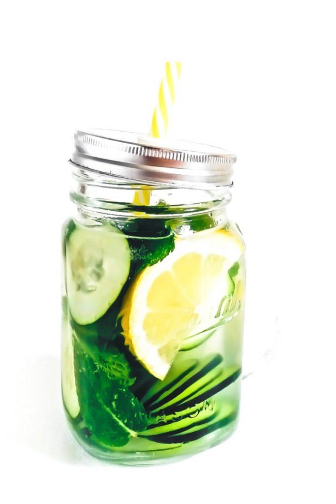 acqua aromatizzata - acqua aromatizzata cetrioli - acqua aromatizzata alla frutta - fruit infused water - fruit water - aromatic water - opsd
