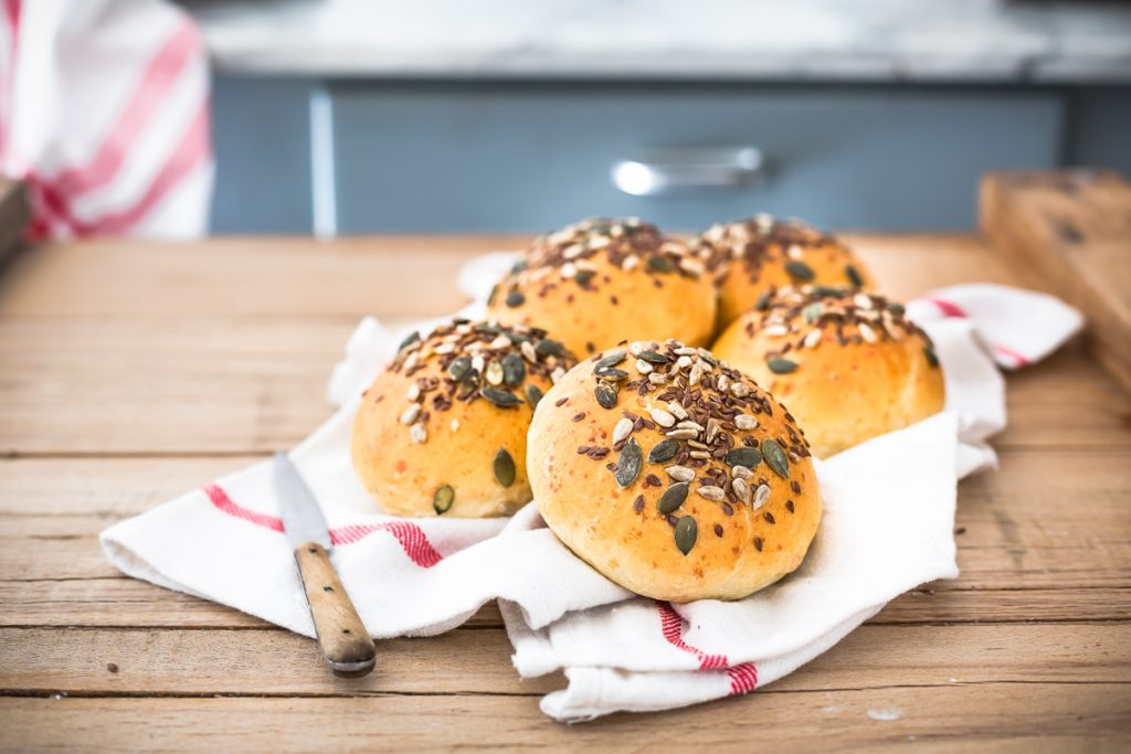 Panini al formaggio - come fare panini per hamburger - pane per hamburger - pane al formaggio - panini - pane con lievito madre - panini burger - Molini Pivetti - Cheese Burger Buns Recipe - burger buns recipe - burger buns - cheese burger buns - burger bun