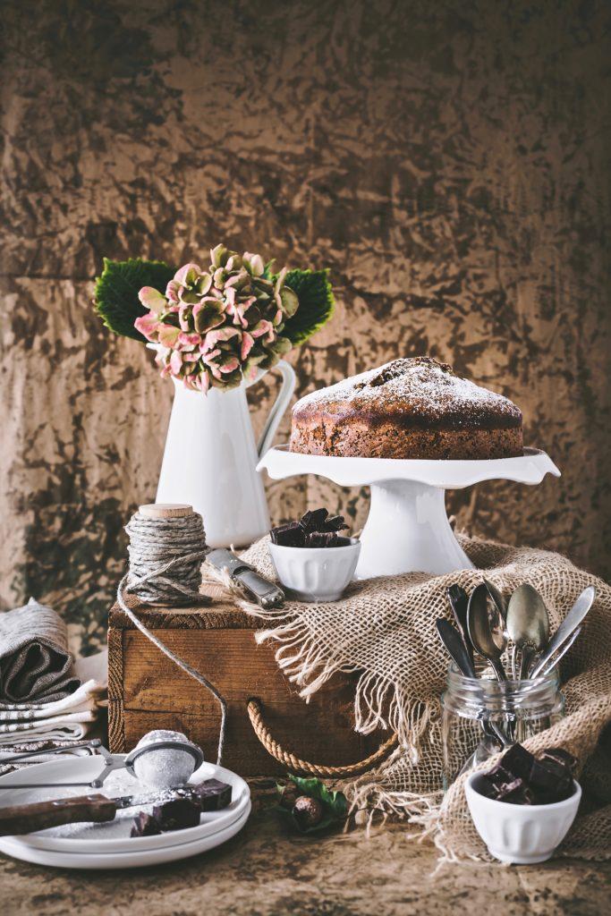 TORTA DI ZUCCHINE E CIOCCOLATO, TORTA ALL'OLIO DI OLIVA CON ZUCCHINE E CIOCCOLATO, ZUCCHINI CAKE WITH CHOCOLATE CHUNK, OLIVE OIL ZUCCHINI CAKE WITH CHOCOLATE CHUNK
