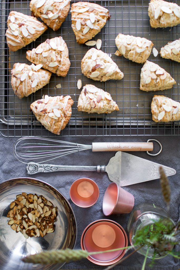Maple Almond Scones - Scones alle mandorle - Ricetta scones - Scones recipe - OPSD blog - Guest Post - Dirty Whisk food blog - Guest Post for OPSD blog