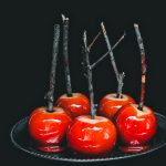 mele caramellate - mele stregate - mele stregate caramellate - candied apples - red candied apples - toffee apples - red toffee apples - Halloween apples - halloween recipe