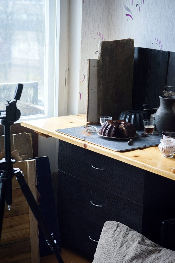 behind the scenes - dietro le quinte - dietro le quinte dei food blog - food photography tutorial - food blog - food blogger - food photography - food styling - guest post - Irina Meliukh - OPSD blog