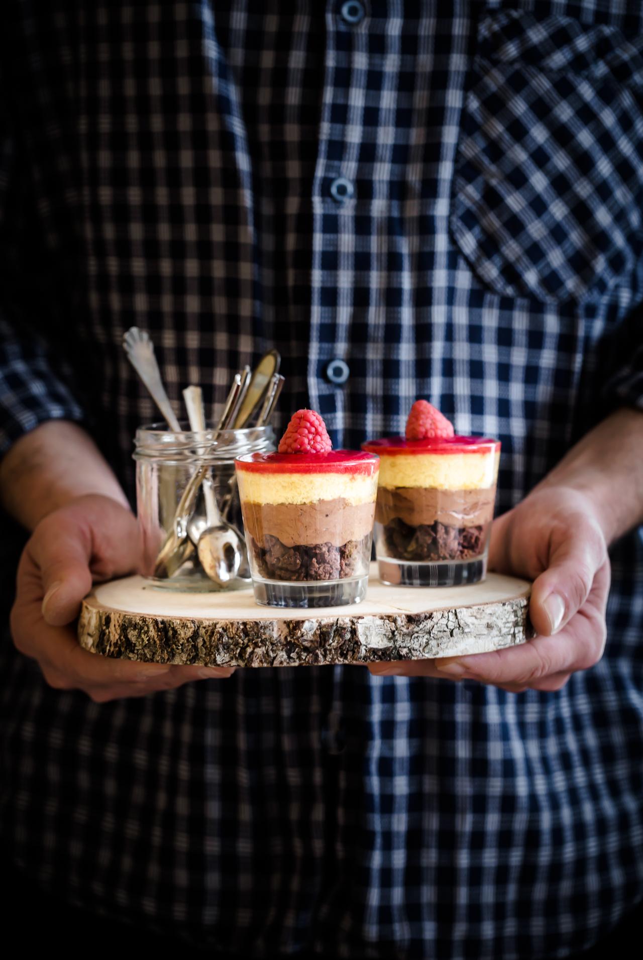 crumble al cioccolato e lamponi - dolce al cucchiaio - dessert - Ricette Bake Off Italia - Elettrodomestici Electrolux - Electrolux e Bake Off Italia - chocolate and raspberry crumble -