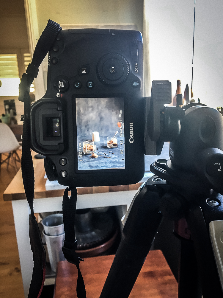 behind the scenes - dietro le quinte - dietro le quinte dei food blog - food photography tutorial - food blog - food blogger - food photography - food styling - guest post - The Macadames - OPSD blog