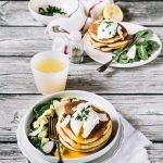 pancakes di farina di mais con uova in camicia - cornmeal pancakes with poached eggs - cornmeal pancakes - pancake recipe - poached eggs - food styling - food photography - opsd blog