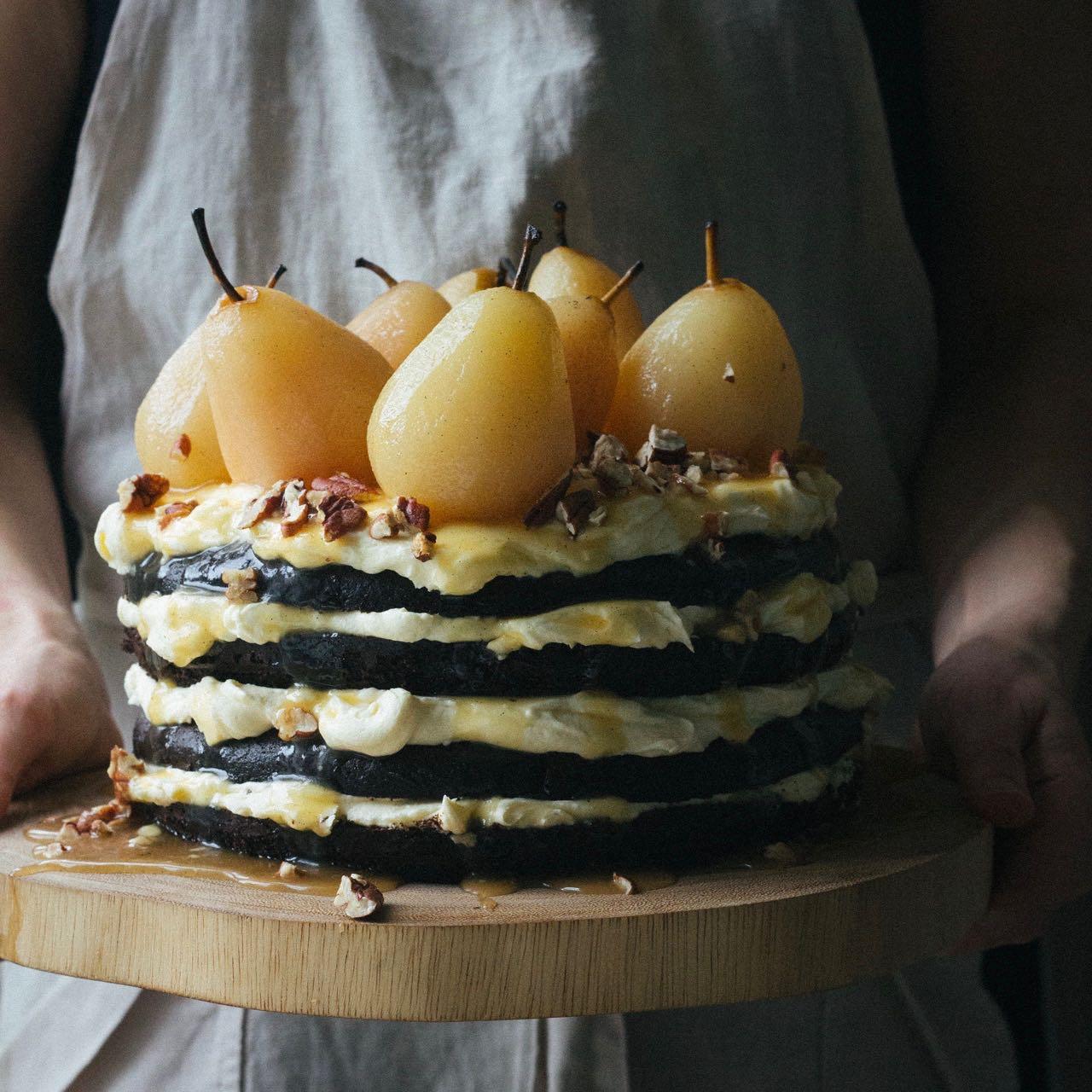 Spiced Chocolate Cake with Caramel Pears - torta al cioccolato speziata con pere caramellate