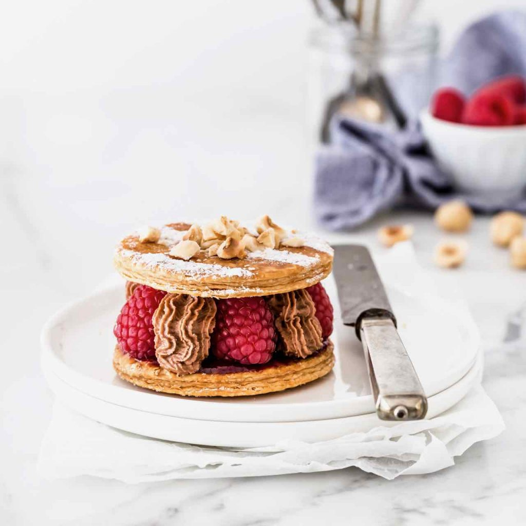 raspberry mille feuille - Raspberries and Nocciolata mousse mille feuille - chocolate and raspberry mille feuille -millefoglie ai lamponi - millefoglie ai lamponi e cioccolato - opsd blog - sonia monagheddu - food photography - food styling