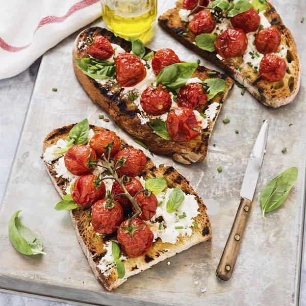 pomodorini caramellati - tomato confit bruschetta