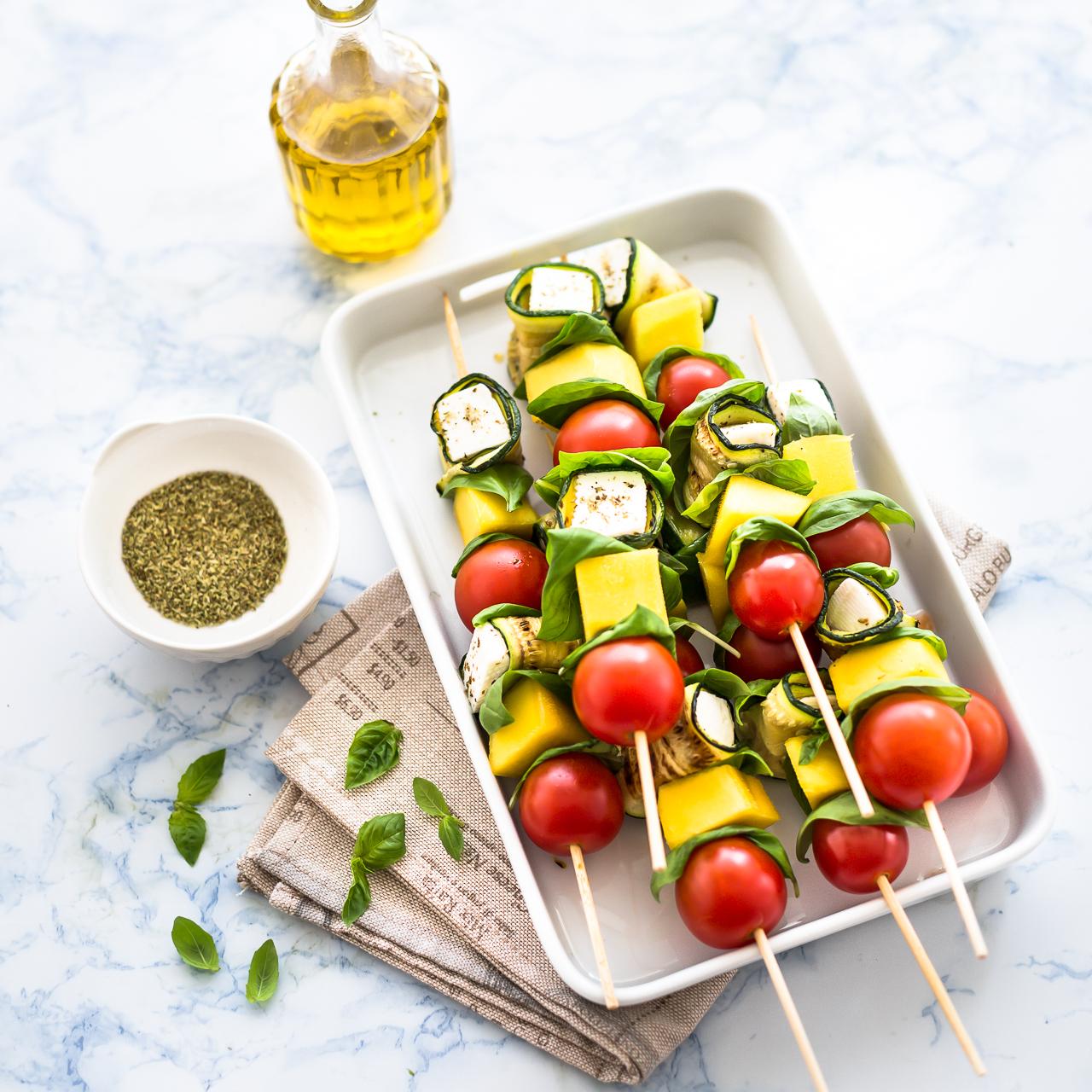 spiedini di zucchine e primosale - spiedini di zucchine - spiedini di verdure - spiedini con primosale - vegetable skewers - vegetable kabobs - vegetable kebabs - food photography - food styling - opsd blog