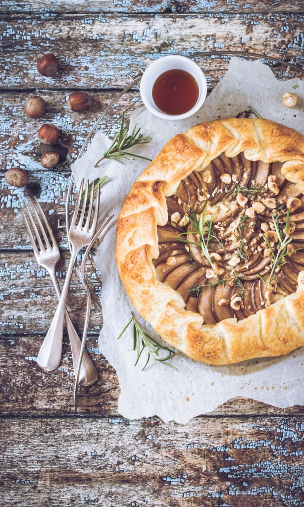 Torta salata con pere e chèvre | Pear and goat cheese tart - food photography - food styling - sonia monagheddu - opsd blog