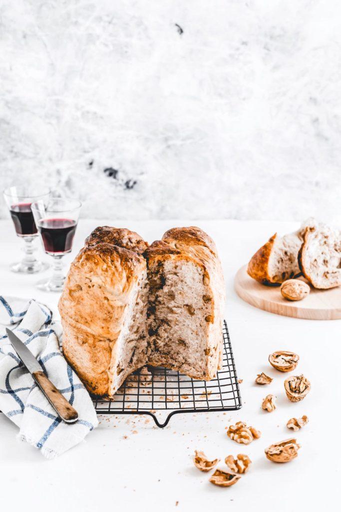 pane alle noci - ricetta pane alle noci fatto in casa - walnut bread - walnut bread recipe